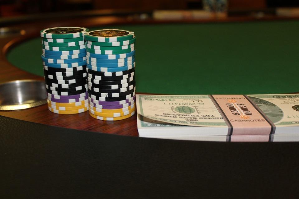Poker Online: Conhece as regras e aprende a jogar
